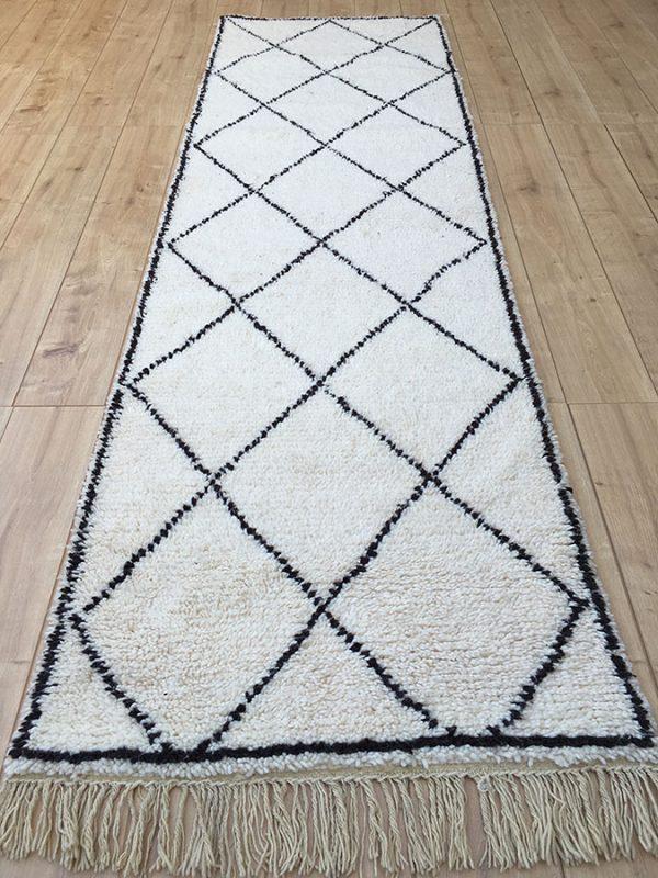 Moroccan rug, tapis berbere, moroccan Berber Rug, tribal rug, designer rug, Vintage moroccan berber rug, moroccan rugs, tapis berberes, moroccan berber beni ourain-moroccan Berber Rug-Beni Ourain-tribal rug-designer rug-Moroccan Berber Rug-Beni Ourain runner