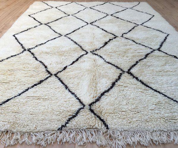 moroccan rug, tapis berbere, tapis berberes, beni ourain