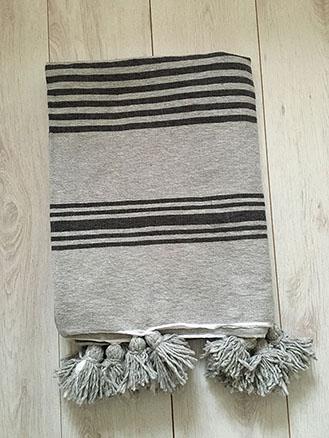 pom-pom-blanket-02-07