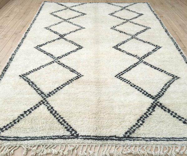 moroccan-rug-berber-rug-beni-ourain-tribal-rug-mrirt-east-unique-designer-rug-080-01a
