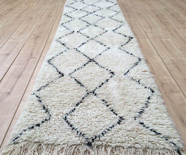moroccan-rug-berber-runner-rug-beni-ourain-tribal-rug-east-unique-designer-rug-077-01