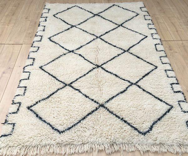 moroccan-rug-berber-rug-beni-ourain-tribal-rug-east-unique-designer-rug-104-002