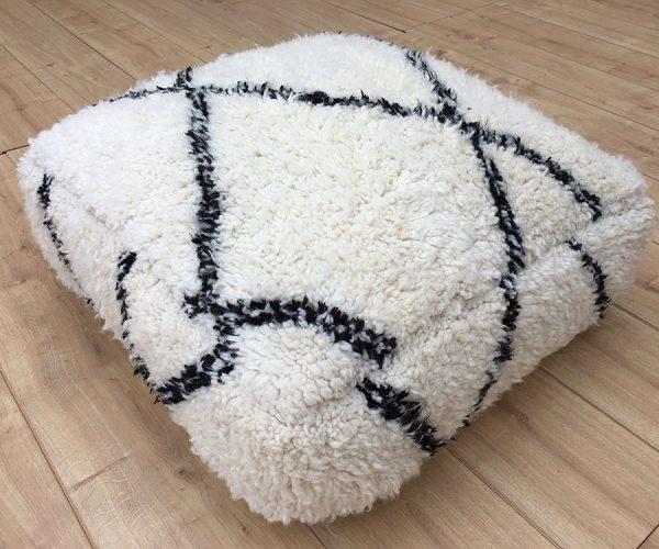 moroccan-rug-berber-rug-big-beni-ourain-pouffe-east-unique-03-002