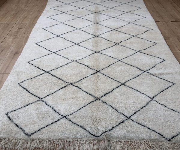 moroccan-rug-berber-rug-beni-ourain-tribal-rug-east-unique-designer-rug-126-001